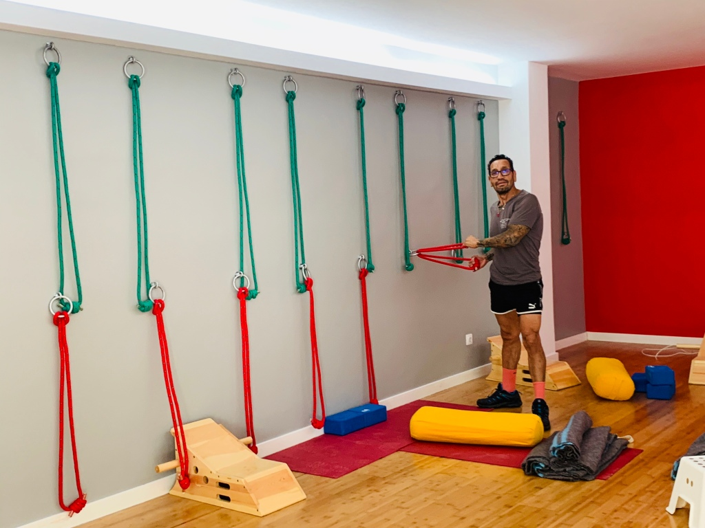 Alfonso Castano setting up the ropes in the new Iyengar Yoga Studio